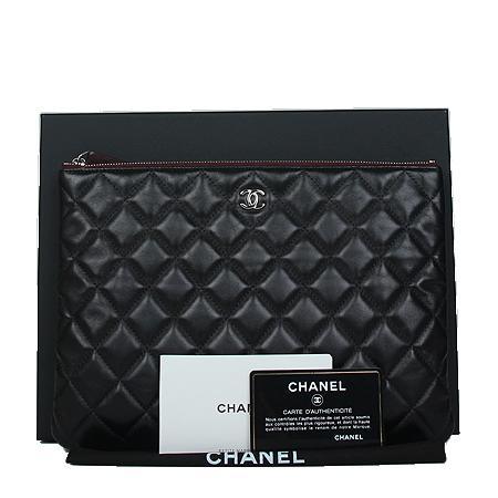 Chanel(샤넬) COCO로고 은장 뉴미디움 클러치백[광주상무점] 이미지2 - 고이비토 중고명품