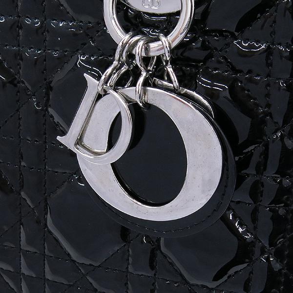 Dior(크리스챤디올) VRB44551 블랙 페이던트 레이디 디올 까나쥬 토트백 + 숄더 스트랩 2WAY [강남본점] 이미지3 - 고이비토 중고명품