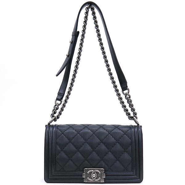 Chanel(샤넬) A67086 카프스킨 블랙 보이 샤넬 미디엄 M사이즈 루테늄 메탈 체인 플랩 숄더백 [강남본점] 이미지2 - 고이비토 중고명품