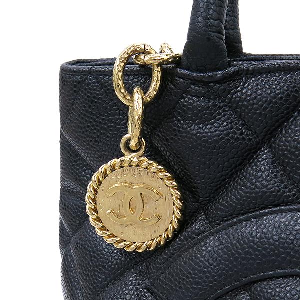 Chanel(샤넬) A01804 캐비어 스킨 블랙 COCO 로고 은장 코인 토트백 [강남본점] 이미지3 - 고이비토 중고명품