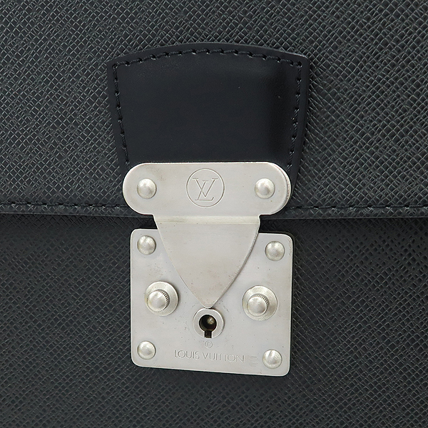 Louis Vuitton(루이비통) M30032 타이가 레더 세르비엣 모스코바 서류가방 [강남본점] 이미지4 - 고이비토 중고명품