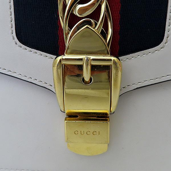 Gucci(구찌) 421882 Gucci Sylvie 실비 화이트 레더 리본 숄더백 + 가죽 스트랩 2WAY [부산서면롯데점] 이미지5 - 고이비토 중고명품