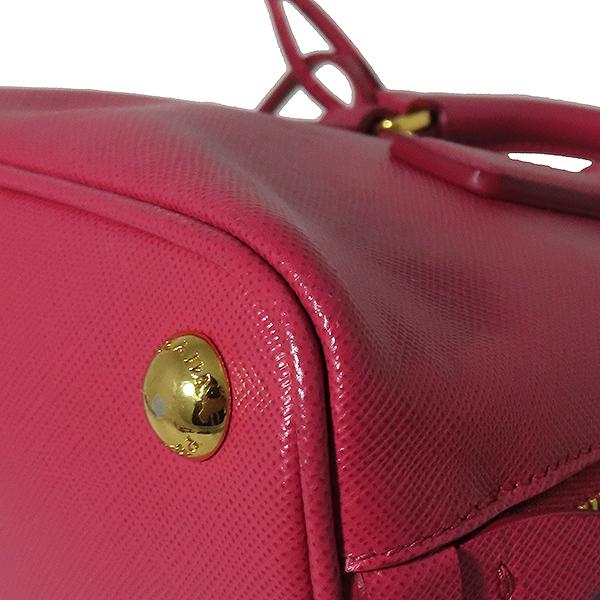 Prada(프라다) BL0851 SAFFIANO LUX(사피아노 럭스) 핑크 컬러 금장 로고 미니 2WAY [대전본점] 이미지5 - 고이비토 중고명품