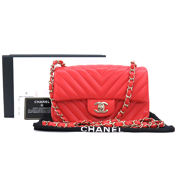 Chanel(샤넬) A69900Y25539 뉴 미니 클래식 쉐브론 램스킨 금장 체인 숄더겸 크로스백 [강남본점]