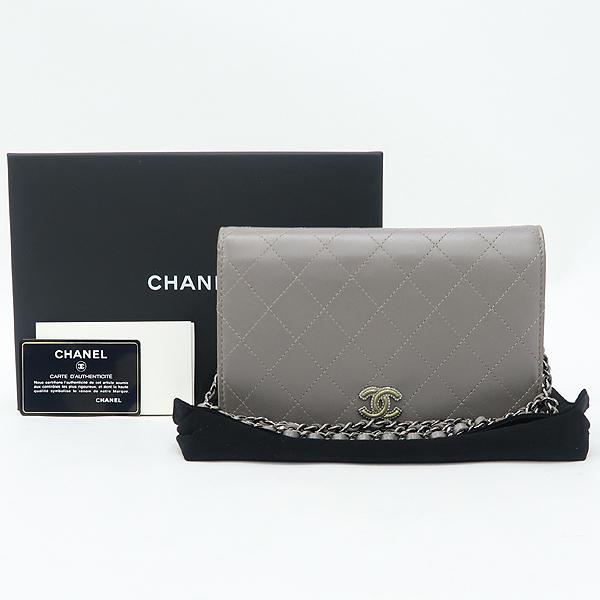 Chanel(샤넬) 그레이 메탈릭 컬러 퀼팅 마틀라세 메탈 로고 WOC 월릿 온 체인 미니 크로스백 [강남본점]
