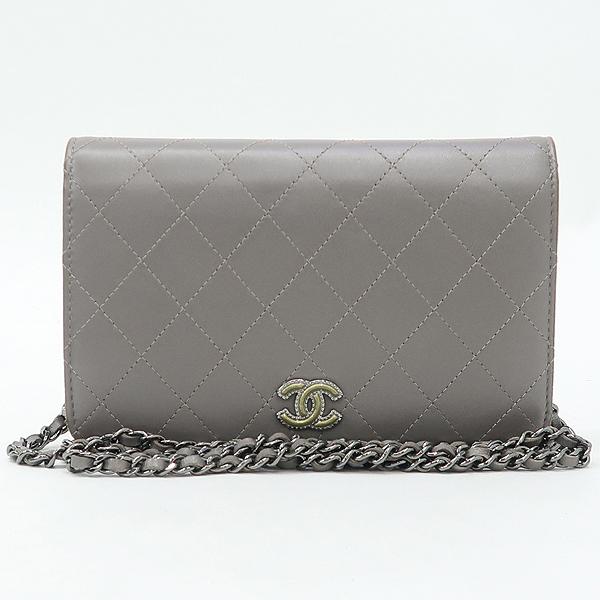 Chanel(샤넬) 그레이 메탈릭 컬러 퀼팅 마틀라세 메탈 로고 WOC 월릿 온 체인 미니 크로스백 [강남본점] 이미지2 - 고이비토 중고명품