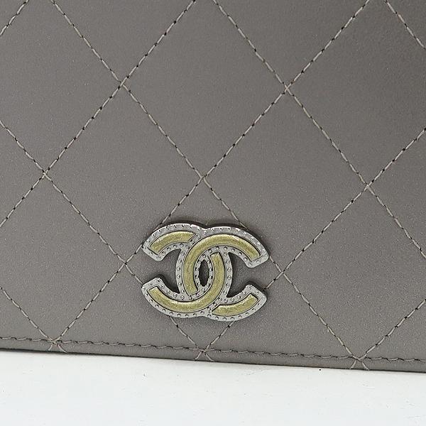 Chanel(샤넬) 그레이 메탈릭 컬러 퀼팅 마틀라세 메탈 로고 WOC 월릿 온 체인 미니 크로스백 [강남본점] 이미지4 - 고이비토 중고명품