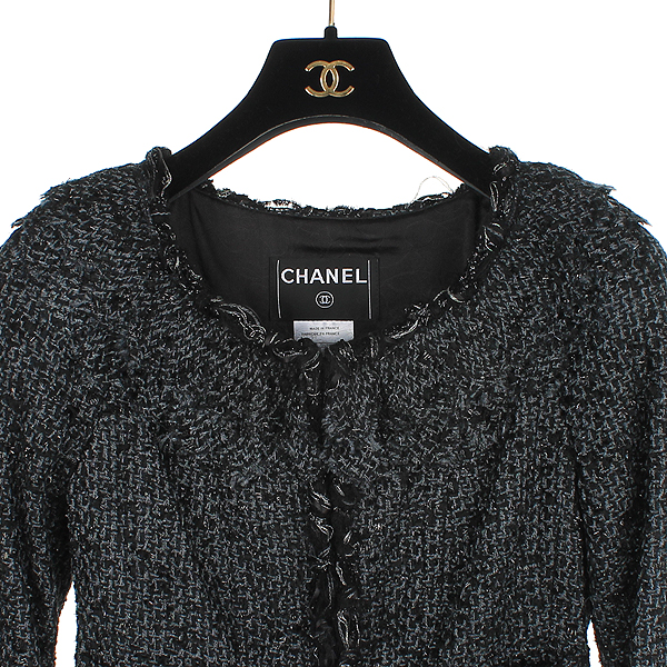 Chanel(샤넬) 크루즈컬렉션 COCO로고 블랙 트위드 여성 자켓 [동대문점] 이미지2 - 고이비토 중고명품