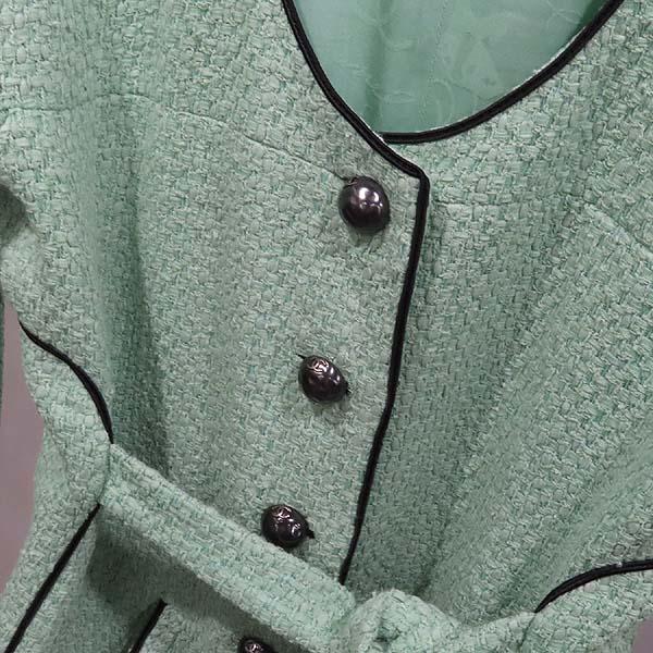 Chanel(샤넬) P43716V17673 그린 컬러 트위드 버튼 장식 여성용 자켓 [인천점] 이미지3 - 고이비토 중고명품