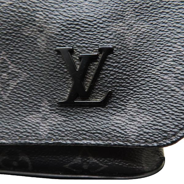 Louis Vuitton(루이비통) M44000 모노그램 이클립스 캔버스 디스트릭트 PM 크로스백 [인천점] 이미지5 - 고이비토 중고명품