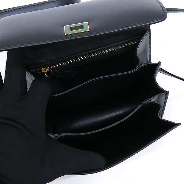 Celine(셀린느) 블랙 컬러 레더 미니 클래식 박스 숄더백 [강남본점] 이미지4 - 고이비토 중고명품