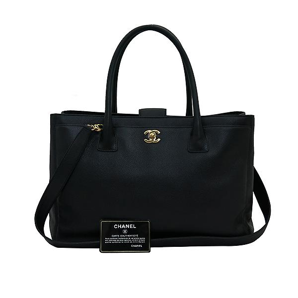 Chanel(샤넬) A15206Y01570 카프스킨 블랙 금장 COCO로고 서프 토트백 + 숄더스트랩 2WAY [부산센텀본점]