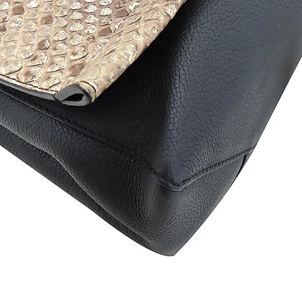 Louis Vuitton(루이비통) N92668 파에톤 장식 LOCK ME(락미)II  2WAY [부산서면롯데점] 이미지7 - 고이비토 중고명품
