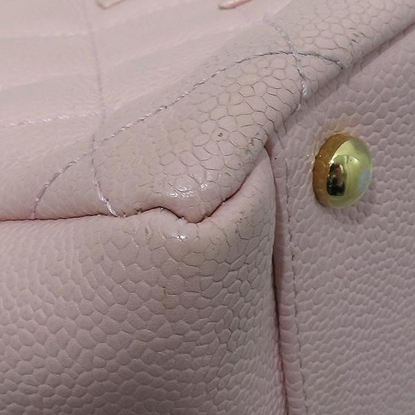 Chanel(샤넬) A18004 캐비어스킨 핑크컬러 퀼팅 마틀라쎄 COCO로고 스티치 정방 메탈 금장 체인 토트백 [부산서면롯데점] 이미지7 - 고이비토 중고명품