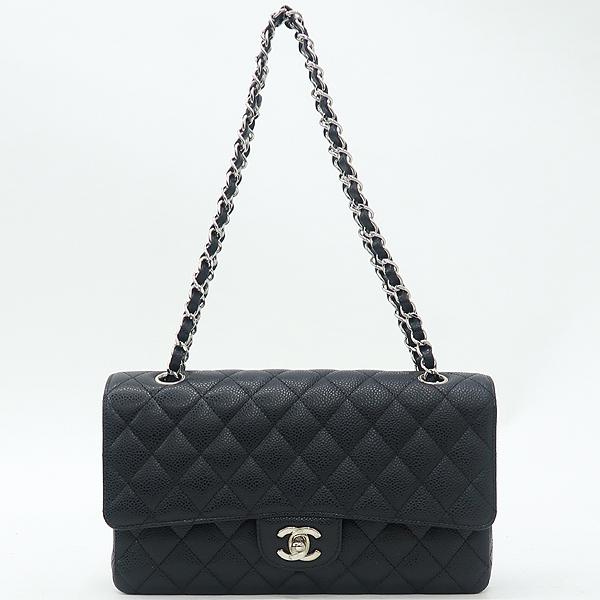 Chanel(샤넬) A01112 캐비어스킨 블랙 클래식 미듐 M사이즈 은장 로고 체인 플랩 숄더백 [강남본점] 이미지2 - 고이비토 중고명품