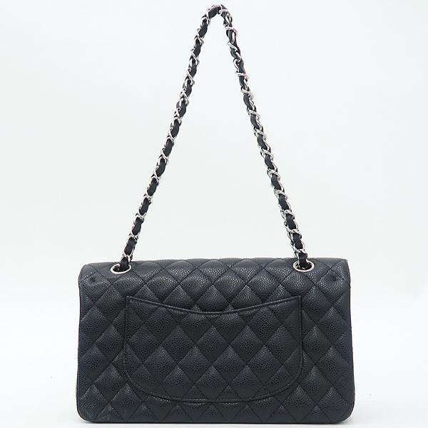 Chanel(샤넬) A01112 캐비어스킨 블랙 클래식 미듐 M사이즈 은장 로고 체인 플랩 숄더백 [강남본점] 이미지4 - 고이비토 중고명품