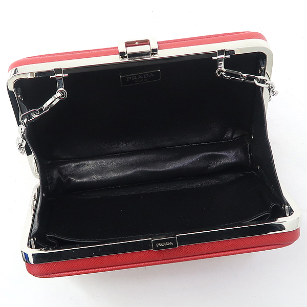 Prada(프라다) 레드 사피아노 미니 스퀘어 체인 크로스백 [잠실점] 이미지5 - 고이비토 중고명품