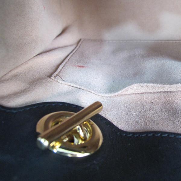 Gucci(구찌) 498156 비 프린트 트리밍 GG 수프림 캔버스 스트럭처드 패들락 숄더백 [대구반월당본점] 이미지5 - 고이비토 중고명품