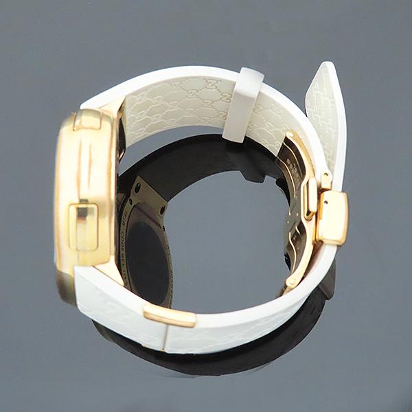Gucci(구찌) YA114216 그래미 어워즈 스페셜에디션 금장 디지털 화이트 러버밴드 시계 [부산서면롯데점] 이미지3 - 고이비토 중고명품