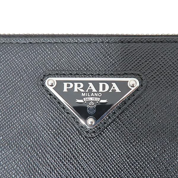 Prada(프라다) 19F/W 2NH001 사피아노 레더 은장 삼각로고 클러치백 [부산서면롯데점] 이미지4 - 고이비토 중고명품