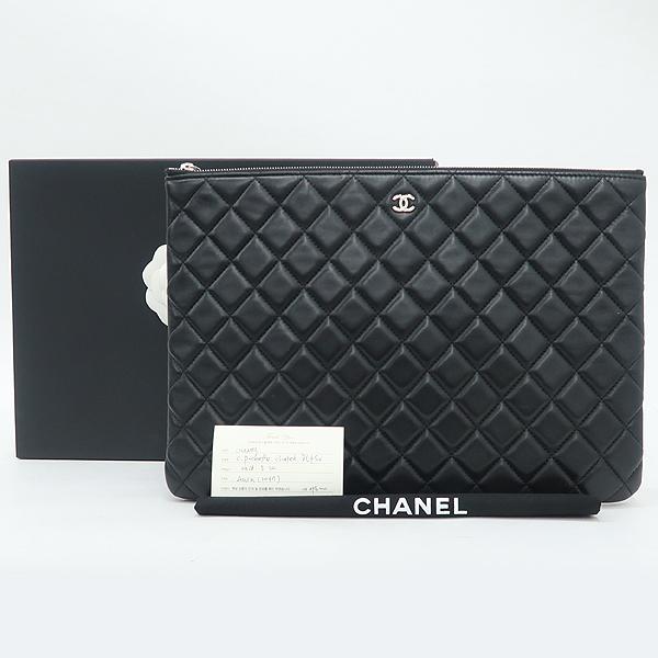 Chanel(샤넬) A82552 은장 로고 블랙 램스킨 뷰티 CC 클러치백 [강남본점]