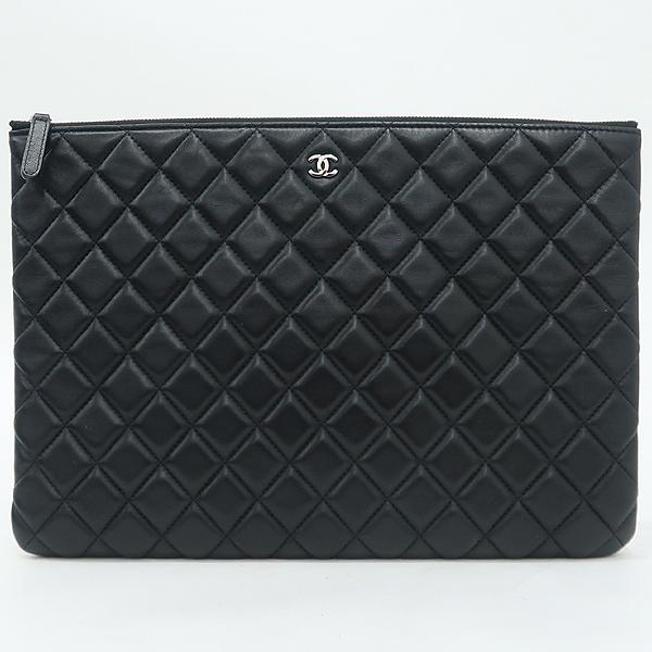 Chanel(샤넬) A82552 은장 로고 블랙 램스킨 뷰티 CC 클러치백 [강남본점] 이미지2 - 고이비토 중고명품