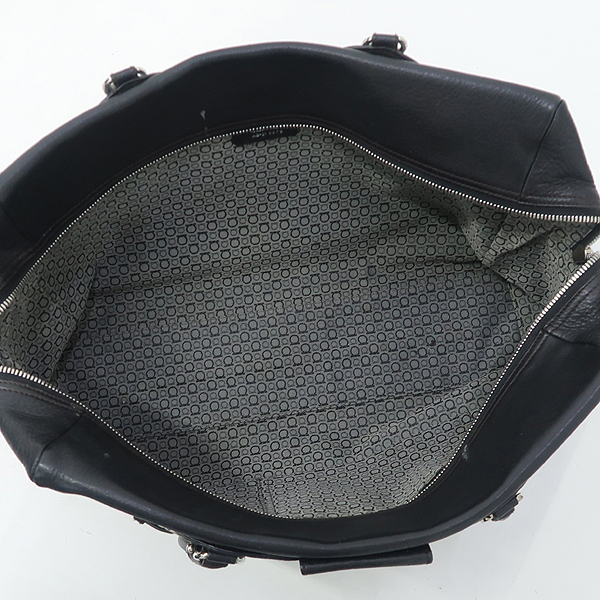 Ferragamo(페라가모) 21 6879. 은장 간치노 로고 장식 블랙 레더 숄더백 [강남본점] 이미지4 - 고이비토 중고명품