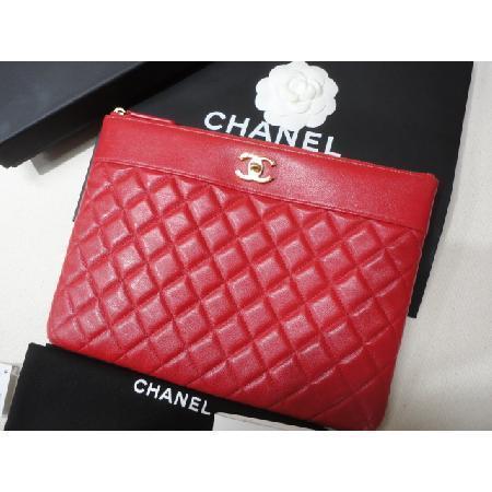 Chanel(샤넬) 최신상 카프스킨 레드 마드모아젤 뉴미듐 CC로고 클러치 w