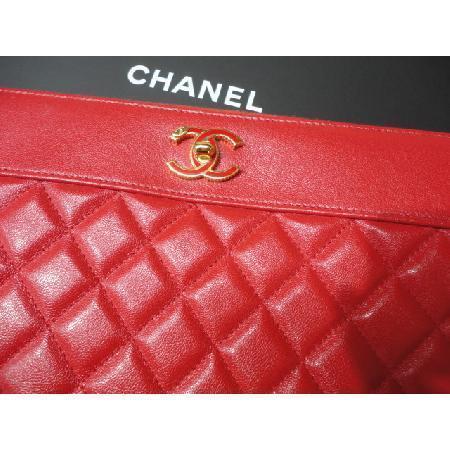 Chanel(샤넬) 최신상 카프스킨 레드 마드모아젤 뉴미듐 CC로고 클러치 w 이미지2 - 고이비토 중고명품