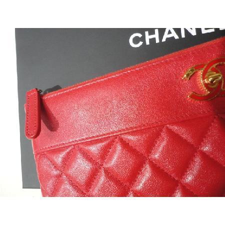 Chanel(샤넬) 최신상 카프스킨 레드 마드모아젤 뉴미듐 CC로고 클러치 w 이미지3 - 고이비토 중고명품