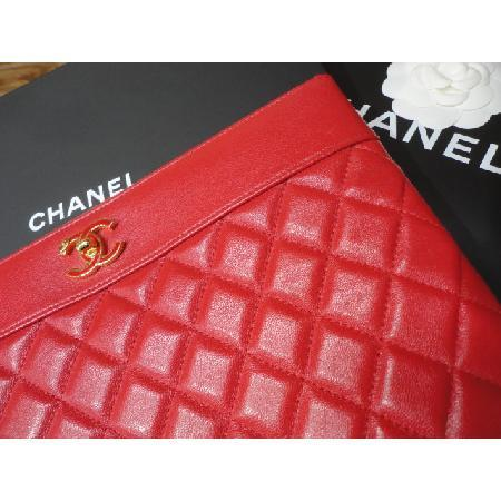 Chanel(샤넬) 최신상 카프스킨 레드 마드모아젤 뉴미듐 CC로고 클러치 w 이미지5 - 고이비토 중고명품