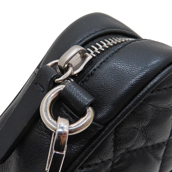MONCLER(몽클레어) 블랙 컬러 퀼팅 레더 로고 장식 미니 크로스백 [인천점] 이미지4 - 고이비토 중고명품