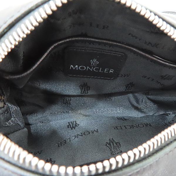 MONCLER(몽클레어) 블랙 컬러 퀼팅 레더 로고 장식 미니 크로스백 [인천점] 이미지6 - 고이비토 중고명품