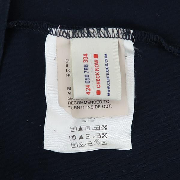 MONCLER(몽클레어) 네이비 컬러 로고 와펜 암 벌드 프린팅 남성용 반팔티 [강남본점] 이미지5 - 고이비토 중고명품
