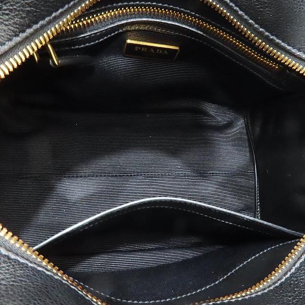 Prada(프라다) 1BA164 블랙 레더 금장 로고 장식 미니 토트백 + 숄더 스트랩 2-WAY [인천점] 이미지7 - 고이비토 중고명품