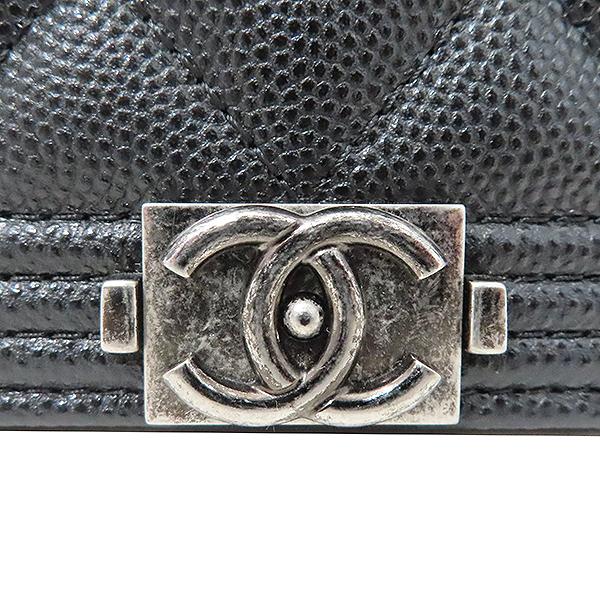 Chanel(샤넬) A80287 블랙 캐비어스킨 보이 샤넬 WOC (월릿 온 더 체인) 클러치 겸 크로스백 [부산서면롯데점] 이미지4 - 고이비토 중고명품