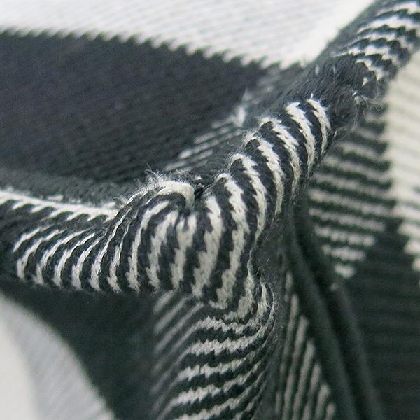 Dior(크리스챤디올) M1286ZRKQ_M941 블랙 오프 화이트 자수 장식 패브릭 Dior Book Tote(북토트) 토트백 [부산센텀본점] 이미지5 - 고이비토 중고명품