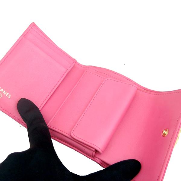 Chanel(샤넬) A84068Y07659 핑크 컬러 램스킨 보이 샤넬 S 사이즈 반지갑 [동대문점] 이미지4 - 고이비토 중고명품