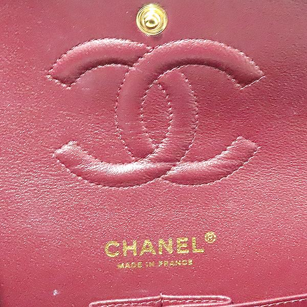 Chanel(샤넬) A01112Y01864 캐비어스킨 클래식 M 사이즈 금장 체인 숄더백 [부산서면롯데점] 이미지5 - 고이비토 중고명품