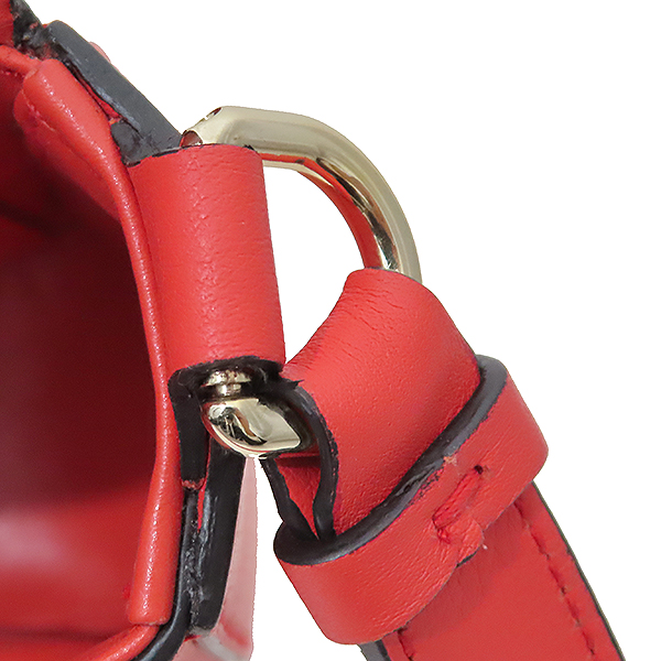 Ferragamo(페라가모) 21 H004 레드 컬러 간치니 미러락 플랩 숄더 크로스백 [부산서면롯데점] 이미지4 - 고이비토 중고명품
