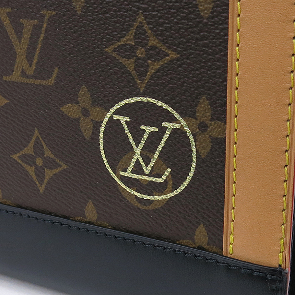Louis Vuitton(루이비통) M68634 모노그램 캔버스 아트 폴더 클러치 [강남본점] 이미지4 - 고이비토 중고명품