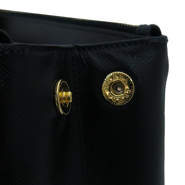 Prada(프라다) BN1801 SAFFIANO LUX 블랙 사피아노 럭스 금장로고 토트백 + 숄더스트랩 2WAY [부산센텀본점] 이미지6 - 고이비토 중고명품