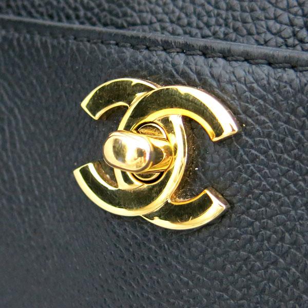 Chanel(샤넬) A15206Y01570 카프스킨 블랙 금장 COCO로고 서프 토트백 + 숄더스트랩 2WAY [동대문점] 이미지5 - 고이비토 중고명품