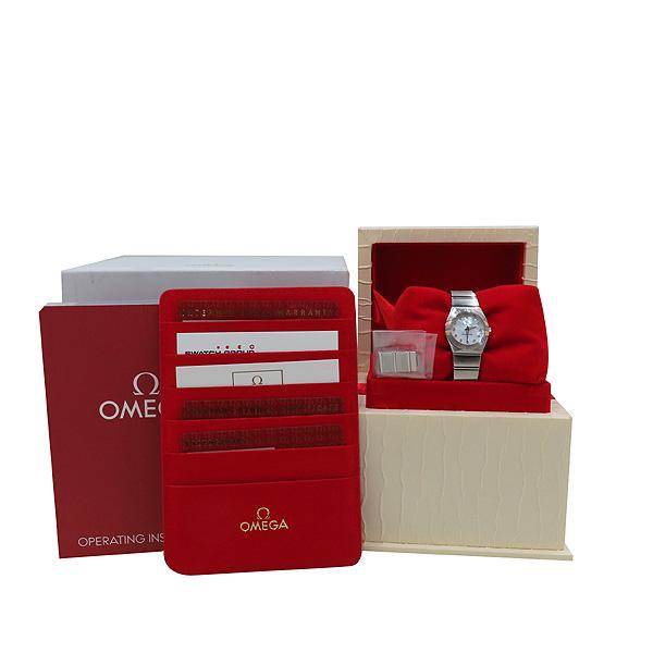 Omega(오메가) 123.20.24.60.55.005 화이트 자개판 18K 골드 콤비 베젤 12포인트 다이아 컨스틸레이션 쿼츠 여성용 시계 [인천점]
