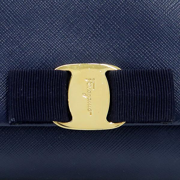Ferragamo(페라가모) 22 B558 블루 컬러 사피아노 금장 바라 장식 체인 크로스백 [강남본점] 이미지3 - 고이비토 중고명품