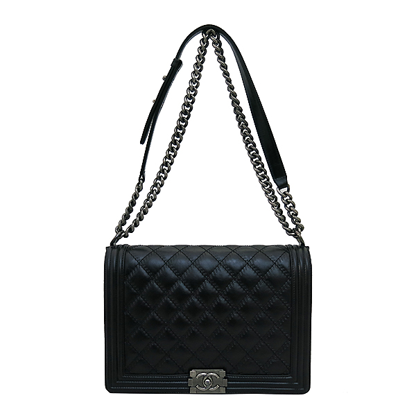 Chanel(샤넬) 블랙 컬러 보이 샤넬 L사이즈 메탈 체인 숄더백 [부산센텀본점] 이미지2 - 고이비토 중고명품