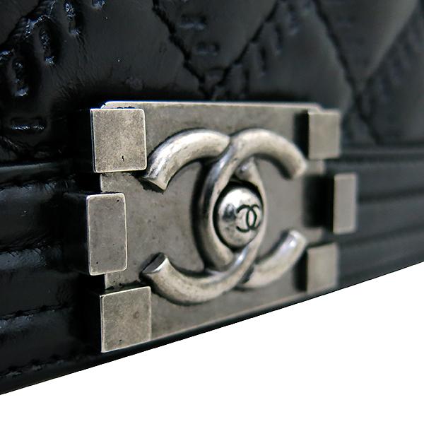 Chanel(샤넬) 블랙 컬러 보이 샤넬 L사이즈 메탈 체인 숄더백 [부산센텀본점] 이미지4 - 고이비토 중고명품