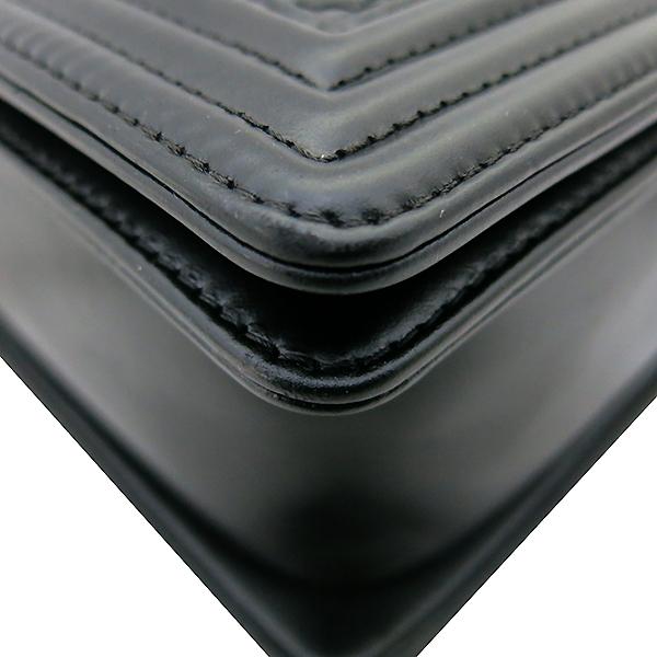 Chanel(샤넬) 블랙 컬러 보이 샤넬 L사이즈 메탈 체인 숄더백 [부산센텀본점] 이미지5 - 고이비토 중고명품