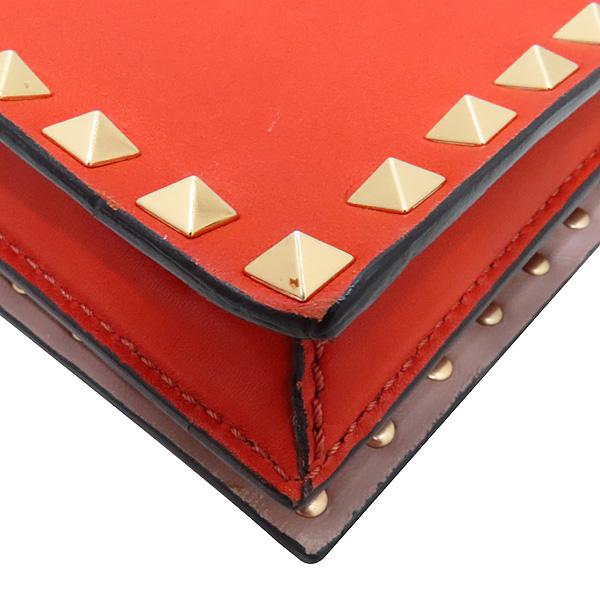 VALENTINO(발렌티노) HWB00399 오렌지 컬러 램스킨 레더 금장 락 스터드 플랩 클러치 [인천점] 이미지6 - 고이비토 중고명품