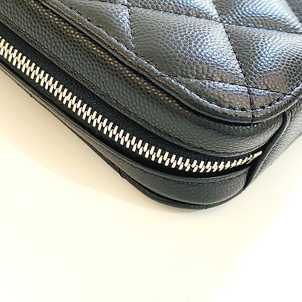 Chanel(샤넬) A70655 은장 COCO 로고 블랙 캐비어 미니 크로스백 [대구동성로점] 이미지5 - 고이비토 중고명품